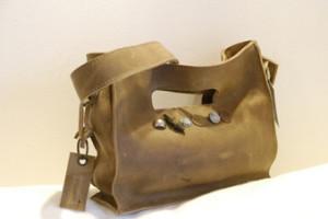 11.2Helene1390303709-brownbeautybag.2